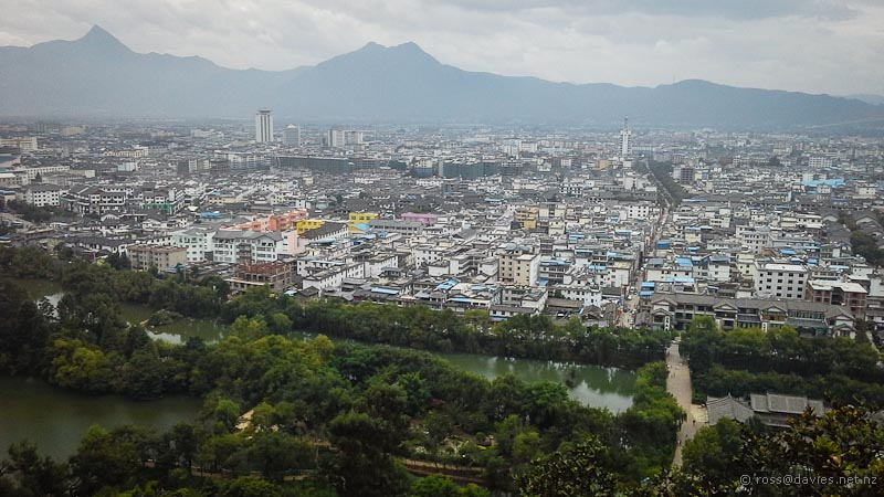Lijiang China  City pictures : Lots of Tourists in Lijiang China | Motor Home Page – Exploring New ...