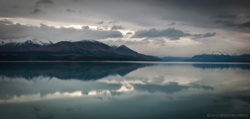 Lake Pukaki - towards Mt Cook