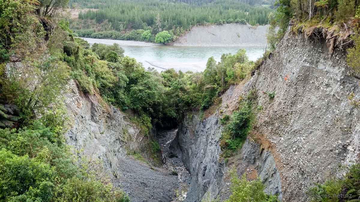 The Kumara Chasm and the Taramakau River