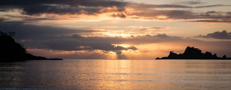 Sunrise Oakura Bay