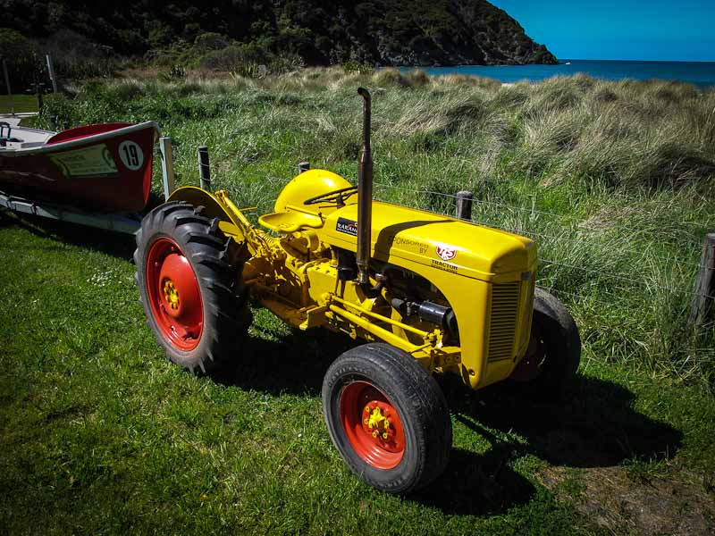Surf Club Tractor