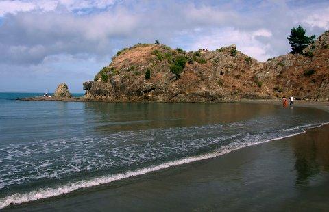 Rock outcrop at Whites Bay