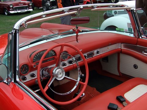 Ford Thunderbird at the hot rod show