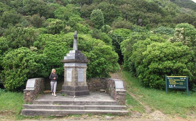 War memorial Torea Saddle