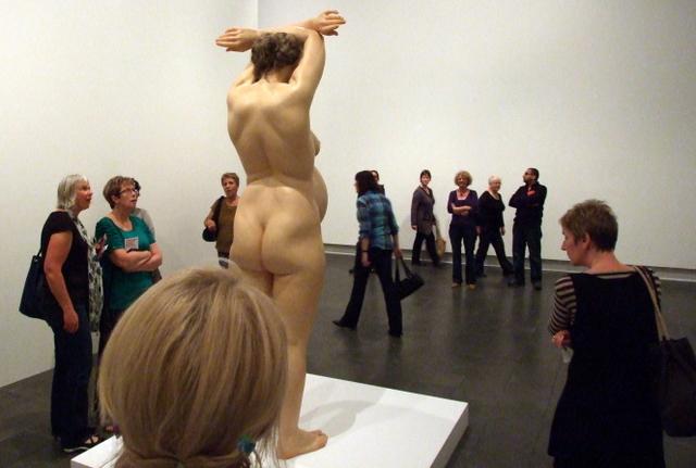 Ron Mueck sculpture exhibition